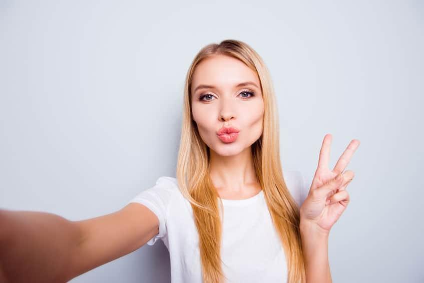 Huawei P30 Pro Girl Selfie Image